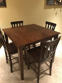 "Counter height (36"") pub-style table Ashburn, 20147"