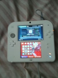 white Nintendo 3DS with game cartridge Clarksville, 37042