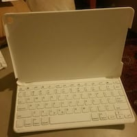 Brand new white Bluetooth keyboard ..never used Washington, 20011