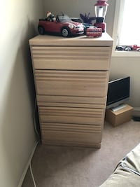 4 drawer oak dresser Edmonton, T5Y