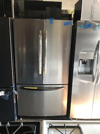 New 36in French Doors Refrigerator 6 months warranty