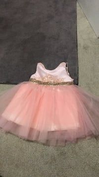 Toddlers dress pink dress Turlock, 95380