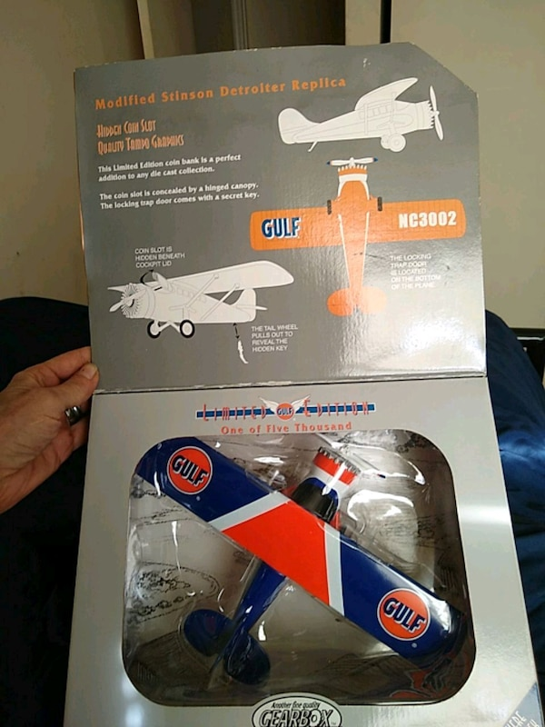Gearbox collectibles or limited edition golf airpl