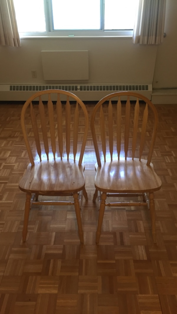 two brown wooden windsor chairs 63970c48-7541-4851-a0c9-79c4b2119fc6
