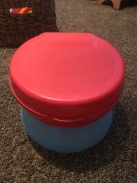 round red and blue plastic container Bakersfield, 93312