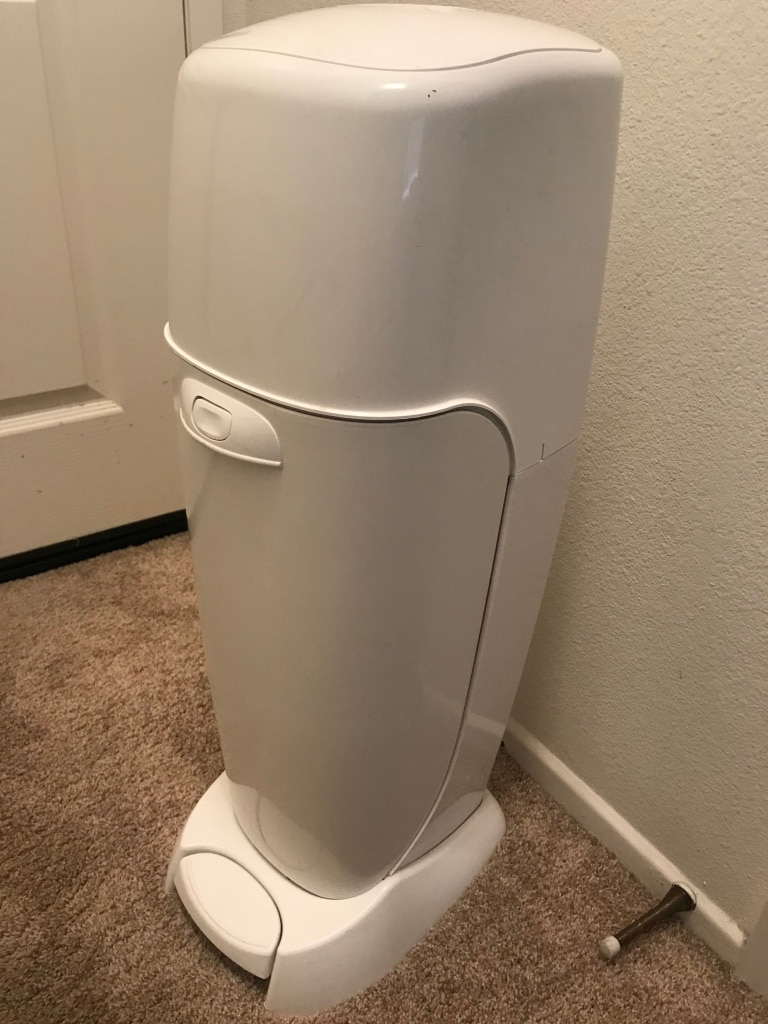 Photo Playtex Diaper Genie Complete with 1.75 bag refills.