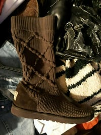 womens sz 6 brown Uggs good condition