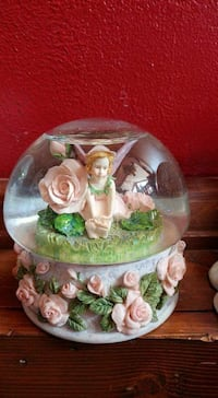 Musical Snowglobe - plays The Rose