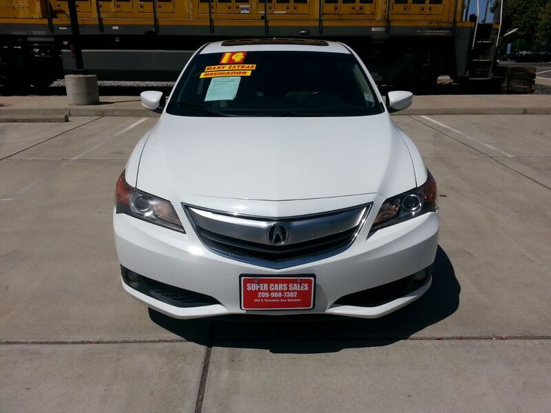 2014 Acura ILX 2.0L w/Tech 4dr Sedan w/Technology Package 2ccf3afc-ed51-41ca-8070-b35a944a42a2