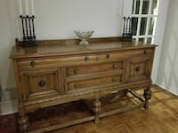 GORGEOUS LARGE SOLID WOOD EARLY 1900's SIDEBOARD/B
