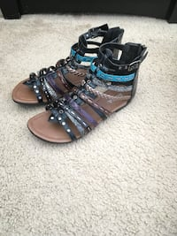 Zip Up Multi Color Sandals (Size 7) Silver Spring