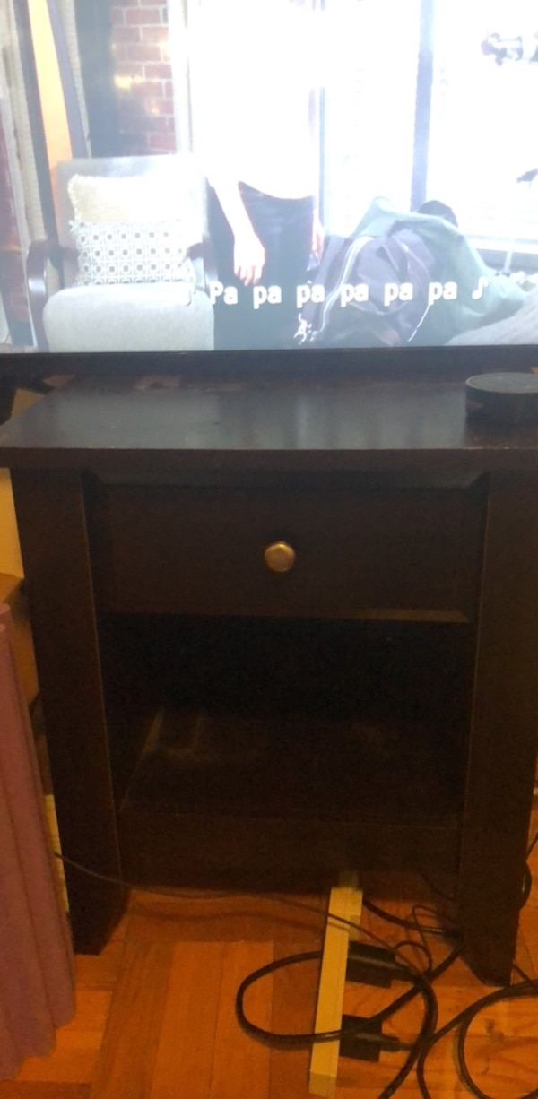 Side table or TV stand 52bbdc77-da27-41a3-ab7c-0f86169ca08d