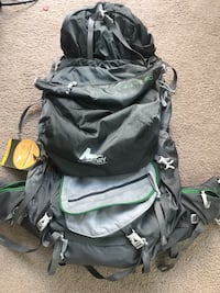 baby's black and green backpack carrier 2397 mi