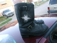 pair of black leather boots Arlington, 76002