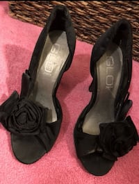Size 5 1/2 black shoes  Need gone  Germantown, 20874