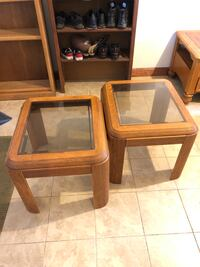Twin glass stands