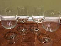 Set of 12 clear wine glasses 43 km