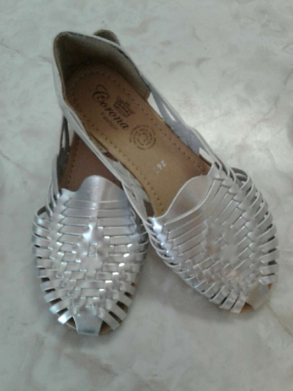 7cddb682314d Used Mexican Sandals or flats for sale in Clinton - letgo