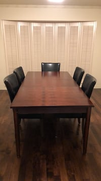 Dining Table with 5 Chairs Dallas, 75229