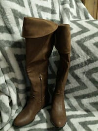 Call it spring knee high leather boots too small  Cambridge, N1R 5G5