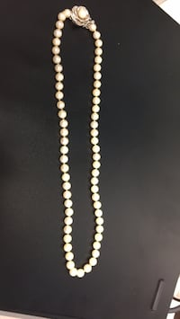 white and black beaded necklace Bethesda, 20817