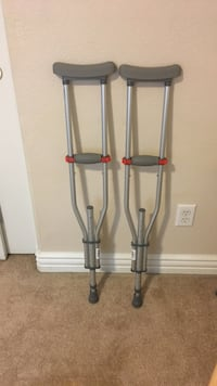 Crutches (adjustable) Henderson, 89012