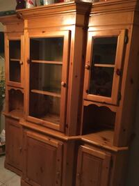 Mennonite made solid pine buffet and hutch in EUC ..asking 400.00 Kitchener, N2M 3A1