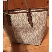 Micheal Kors  Purse  Albany, 31705