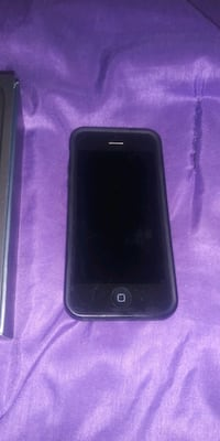 IPhone 5.  Comes with charger Garden City, 48135