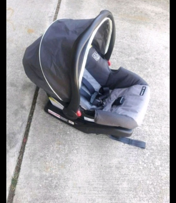 Graco Baby Car Seat Carrier And Base