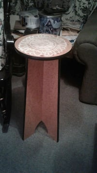 round brown wooden side table 625 km