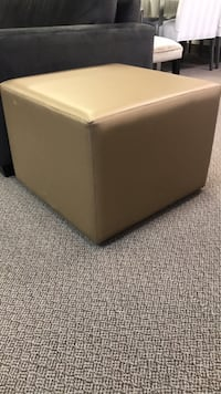 Square ottoman on casters  Vaughan, L4L