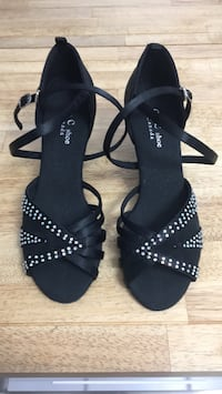 Salsa dancing shoes Mississauga, L5N 6W7