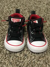 Pair of black-and-pink converse high tops El Paso, 79938