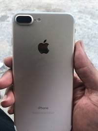 silver iPhone 7 plus screenshot Houston, 77026