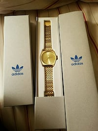 Gold Adidas Watch with box Reno, 89519