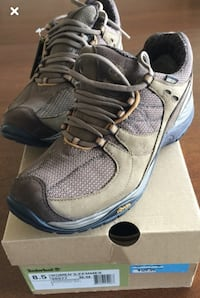 New in Box Timberland Lionshead 2.0 GTX Low Women's Crossover Shoes   Ideal for hiking   Versatile crossover shoes that perform well during high-energy outdoor activities and feel great for casual use. Lightweight support and trail-worthy durability combi Toronto, M5P 2V5