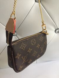 Louis Vuitton mini damier azur pochette  Lynwood, 90262