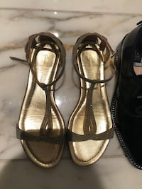 Pair of brown leather open-toe heeled sandals Richmond, V7C