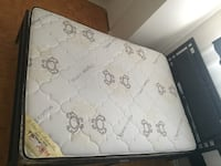 white and gray floral mattress Sudbury, P3E 4T1