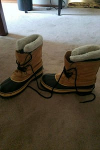 Snow Boots - Only used once Concord