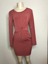 maroon crew-neck long-sleeved mini dress Toronto, M6M 2K4