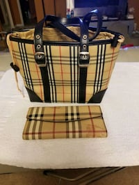 Burberry purse and wallet  Laurel, 20707