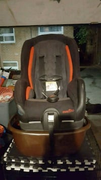 evenflow  car seat in good condition Toronto, M8Z 1L8