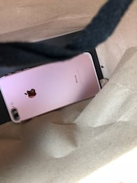 silver iPhone 7 plus with box Brooklyn, 44144