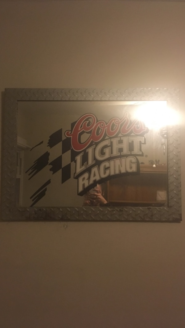 Coors Light Racing sign a408bfbf-cf16-41d9-8bf1-66e3f9f07581