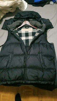 Authentic Burberry black navy zip-up vest Mississauga, L5A 4A3