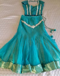 women's teal and white sleeveless dress
