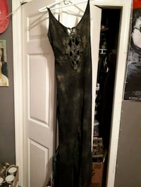 women's black and gold sleeveless dress Chilliwack, V2P 3C2
