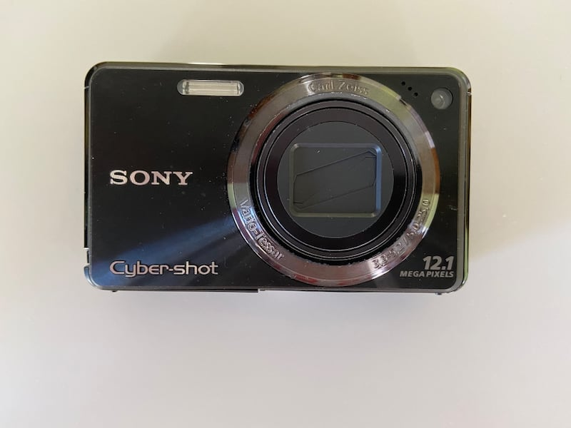 Sony camera and underwater housing 3c54524a-e21a-4259-a61a-a0b593ab5351